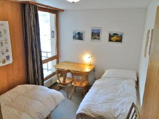 Cozy 2 bedroom Apartment in Zuoz with Dishwasher - Zuoz vacation rentals