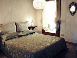 Casa Terraglio al Castello con parcheggio - Bassano Del Grappa vacation rentals