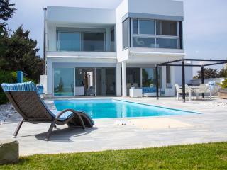 4 bedroom House with Internet Access in Pervolia - Pervolia vacation rentals