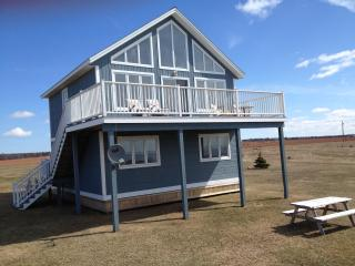 Beautiful Cottage with Internet Access and Grill - Albany vacation rentals