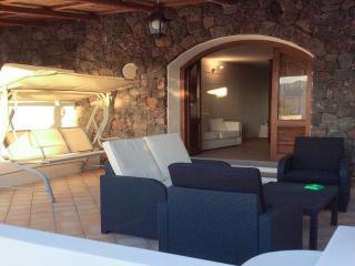 Monolocale sul mare con 4 posti letto - Santa Marina Salina vacation rentals