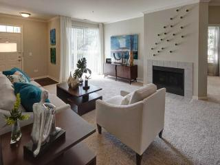Furnished 1-Bedroom Apartment at Lonsdale Ave & Corday Dr Naperville - Naperville vacation rentals