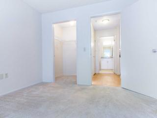 2 bedroom Apartment with Internet Access in Union City - Union City vacation rentals