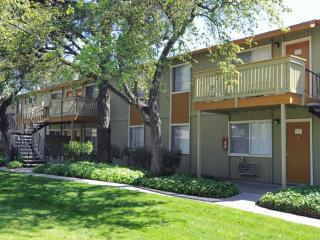 2 bedroom Condo with Internet Access in Union City - Union City vacation rentals