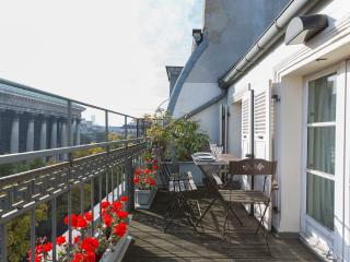 Madeleine Terrace - Gorgeous 2BR with Great Views - Paris vacation rentals