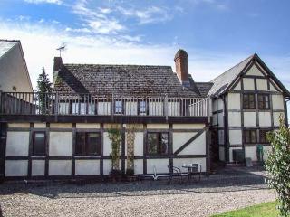 WILLOWCROFT  ground floor, character, village location, open plan, in Sutton St Nicholas Ref 905807 - Sutton Saint Nicholas vacation rentals