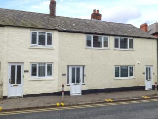 ROBIN, in town, close to amenities, woodburner, parking permit, in Ruthin, Ref 932024 - Ruthin vacation rentals