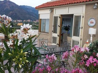 Cozy 3 bedroom Condo in Brolo - Brolo vacation rentals