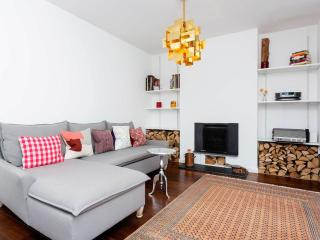 A modern and spacious two storey apartment in between Angel and King's Cross - London vacation rentals