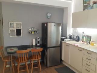 Cozy Condo with Internet Access and A/C - Jaffa vacation rentals