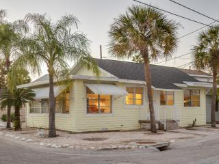 CHARMING BEACH COTTAGE ***1 block to beach**** - Treasure Island vacation rentals