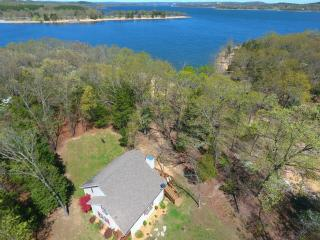 Beautiful Lakefront Home w/Hot Tub, Right on Water - Ridgedale vacation rentals