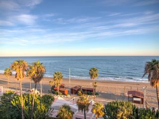 Beachfront Luxury in Estepona with great sea views - Estepona vacation rentals
