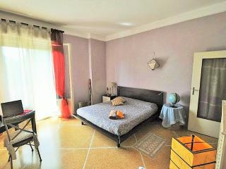 Airport Fior di Cipoloto's rooms - Bologna vacation rentals
