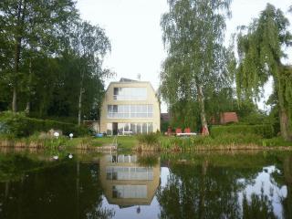 Drei am Zemminsee, Dachgeschoss - Schwerin vacation rentals