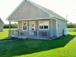 Beautiful Cottage with Internet Access and Satellite Or Cable TV - Cap-Pele vacation rentals