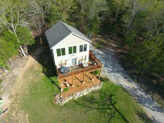 Beautiful Lakeside Home Pvt Hot Tub 20min Branson - Ridgedale vacation rentals