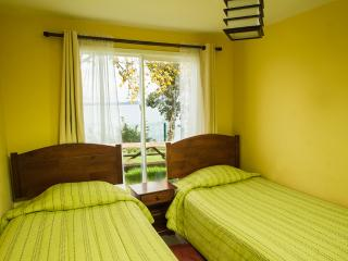 Cozy 3 bedroom Cottage in Puerto Montt - Puerto Montt vacation rentals