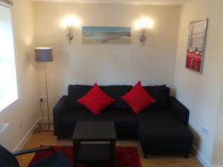 Luxury Apartment by Bournemouth Eastcliff Seaside - Bournemouth vacation rentals