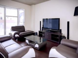 Luxury Condo Downtown Montreal! - Montreal vacation rentals