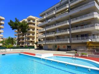 Rentalmar Zahara - Apartment 2/4 - Salou vacation rentals