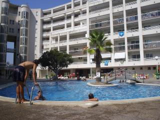 Rentalmar Royal - Apartment 2/4 - Salou vacation rentals