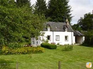 Traditional Foresters Detached cottage (Loch Ness) - Dores vacation rentals