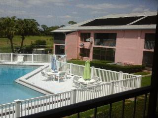 This Apartment is a Golfers Paradise - Jensen Beach vacation rentals