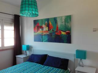 Perfect Condo with Dishwasher and Toaster - Moscavide vacation rentals