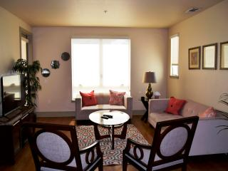 2BED/2BATH luxury Apartment close to Disney! - Anaheim vacation rentals