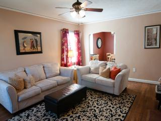 3 bedroom House with Internet Access in Fayetteville - Fayetteville vacation rentals