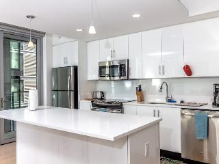 2BR Fully Furnished Apt in LA Downtown - Los Angeles vacation rentals