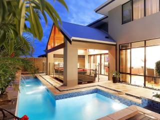 THE RESIDENCE SIMPLY STUNNING - Burns Beach vacation rentals