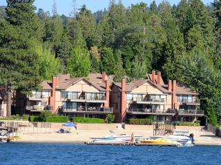 Near Santa's Village! Village Bay 4 bd. Water, Snow Toys & Private Beach. - Lake Arrowhead vacation rentals