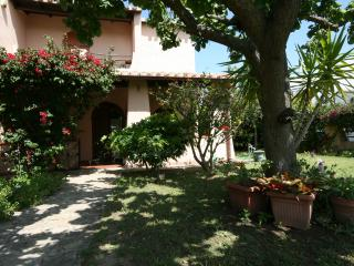 Nice Villa with A/C and Washing Machine - Flumini vacation rentals