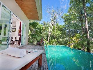 3 Bedroom Pool villa. 10 min walk to Karon beach - Karon vacation rentals