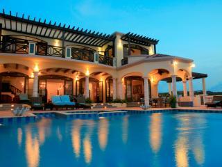 Comfortable 5 bedroom Villa in Island Harbour - Island Harbour vacation rentals