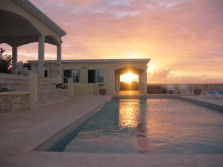 8 bedroom Villa with Internet Access in Island Harbour - Island Harbour vacation rentals