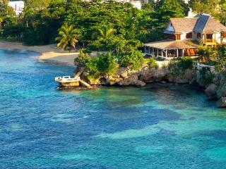 Nice Villa with Internet Access and Dishwasher - Runaway Bay vacation rentals
