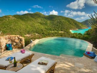 Comfortable 3 bedroom Guana Island Villa with Wireless Internet - Guana Island vacation rentals