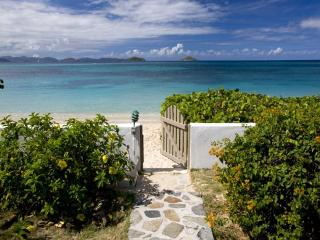 Perfect Villa with Internet Access and Balcony - Mahoe Bay vacation rentals