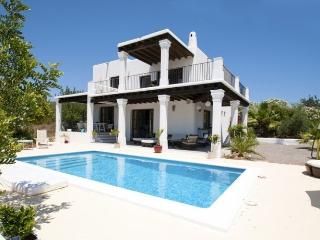 Charming Villa with Internet Access and Balcony - Velverde vacation rentals