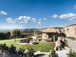 4 bedroom Villa with Internet Access in Spargi - Spargi vacation rentals