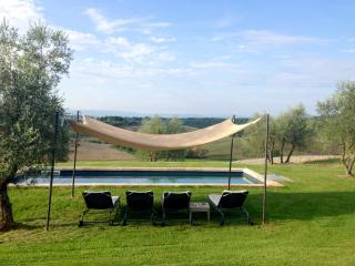 2 bedroom Villa with Internet Access in Montaperti - Montaperti vacation rentals