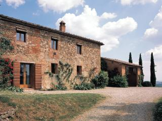 Charming 5 bedroom Villa in Monteaperti - Monteaperti vacation rentals