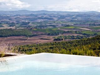 4 bedroom Villa with Internet Access in Montalcino - Montalcino vacation rentals