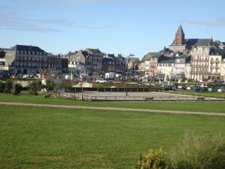 Maison avec jardin, terrasse, 300 mètres plage - Mers Les Bains vacation rentals