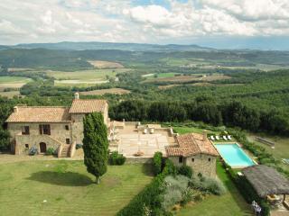 7 bedroom Villa with Internet Access in Casale di Pari - Casale di Pari vacation rentals