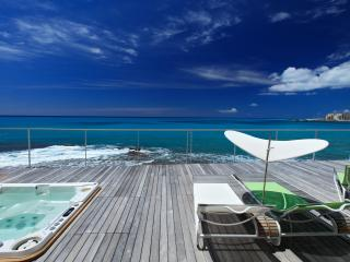 Cozy 3 bedroom Burgeaux Bay Villa with Internet Access - Burgeaux Bay vacation rentals