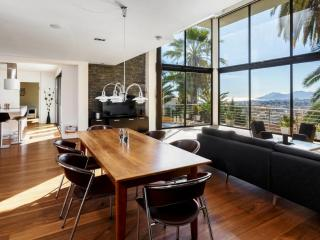 Cannes Villa with Sea View and Pool, Near Shops - Le Cannet vacation rentals